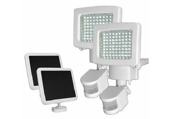 Image of solar powered motion activiated floodlight kit